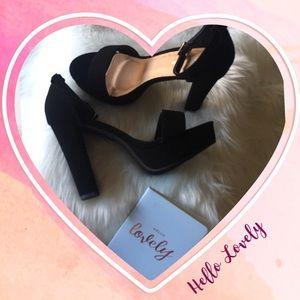 NIB Black Open toe platforms
